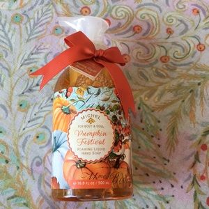 Pumpkin Festival foaming shea butter soap